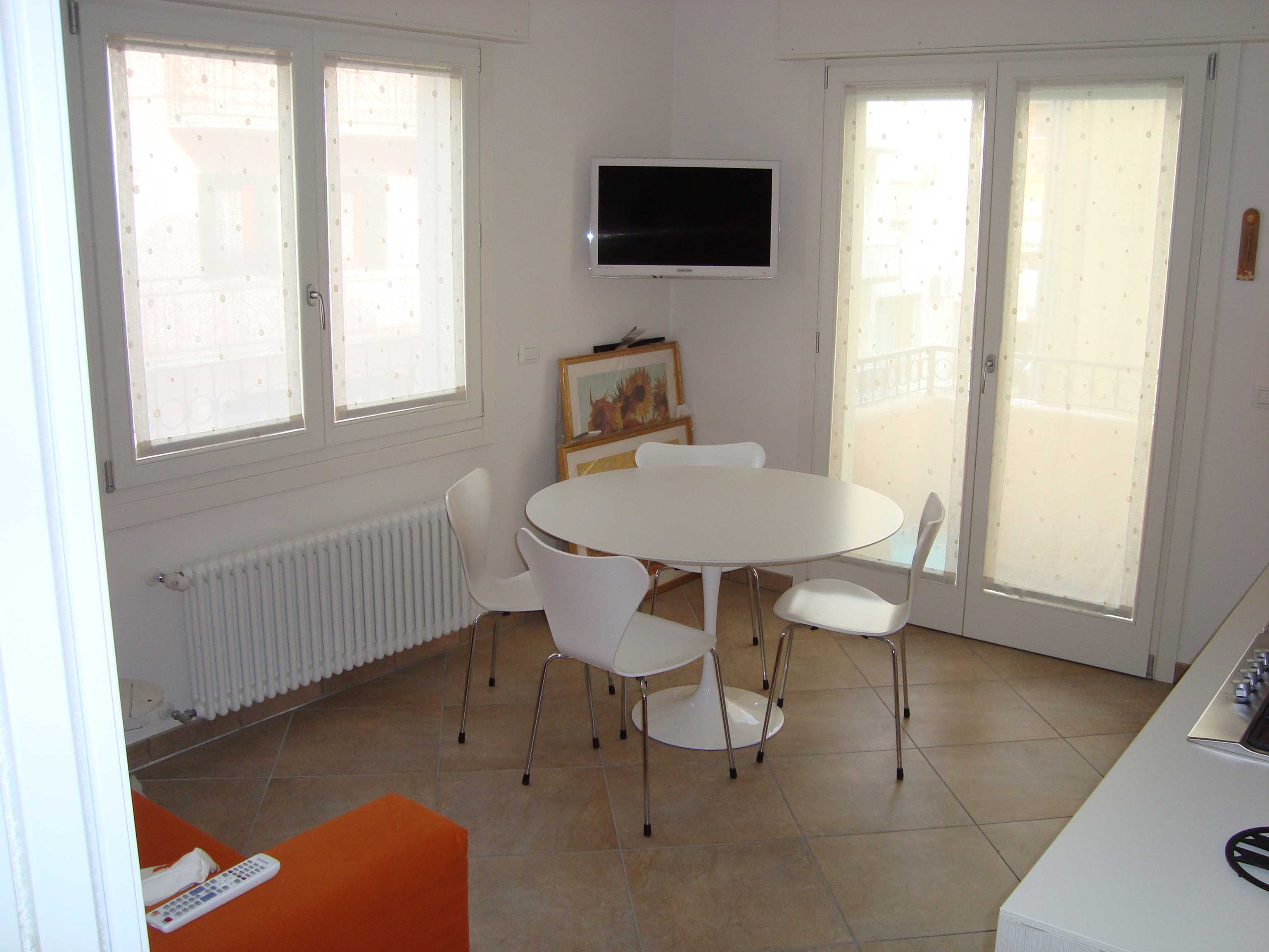 scorcio interno di un appartamento ristrutturato