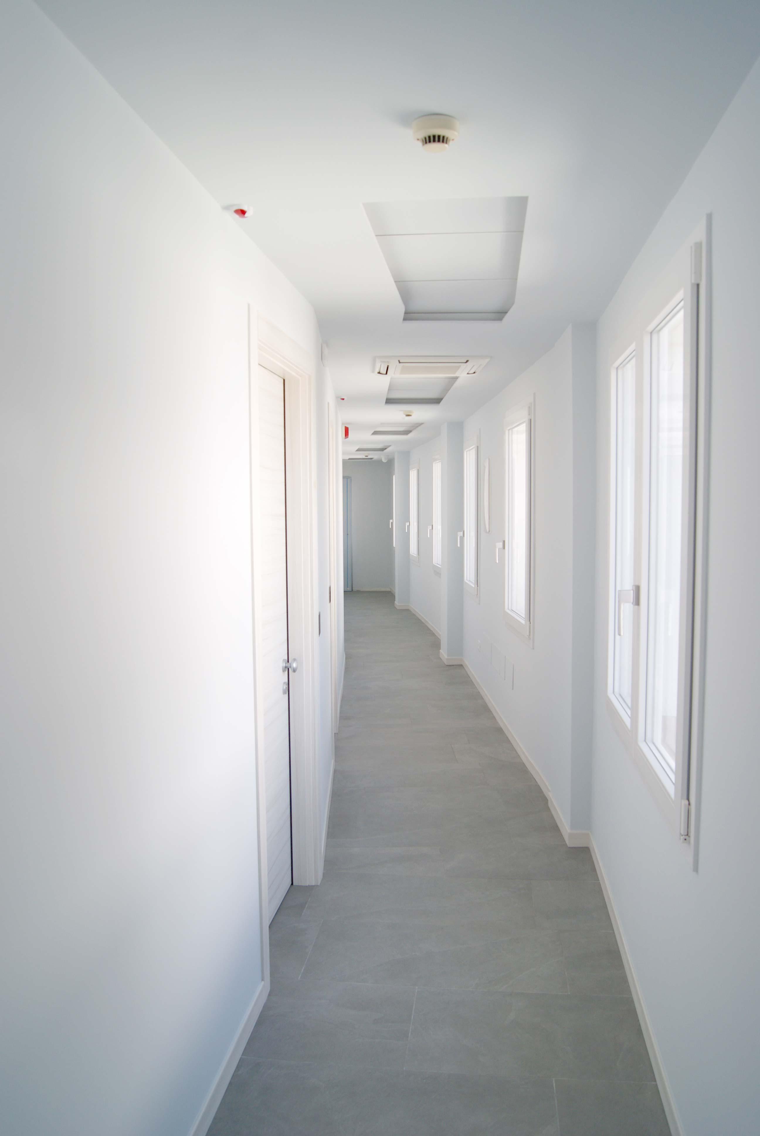 corridoio e accessi alle camere