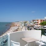 Veduta della spiaggia di ponente dal terrazzo